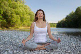 femme en méditation pleine conscience
